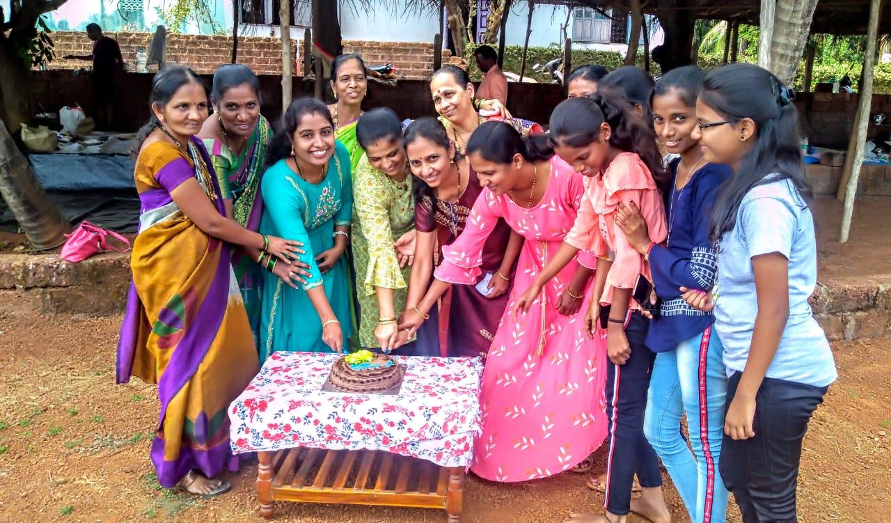 शिक्षकेतर कर्मचारी संघटना युनिट संत राऊळ महाराज महाविद्यालय कुडाळच्या वतीने जागतिक महिला दिन उत्साहात साजरा